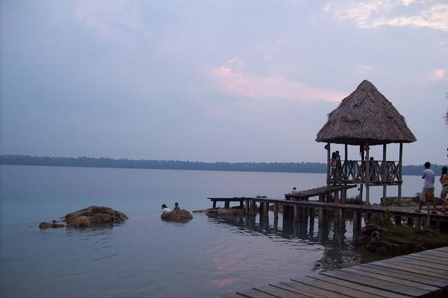 Laguna Lachuá. Fotografía de: Josué Goge.