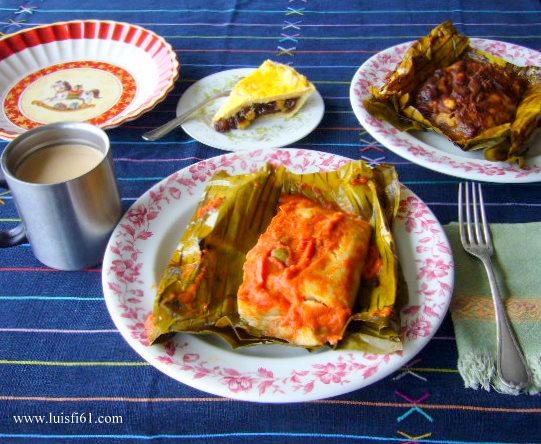 Tamales de Navidad en Guatemala foto por luisfi61.com  - Los Tradicionales Tamales de Noche Buena