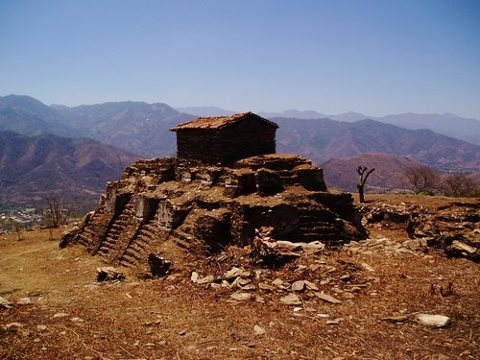 Kaj Yub, fortaleza de los Rabinaleb en Rabinal, Baja Verapaz - foto por Donald Sanabria Ortiz