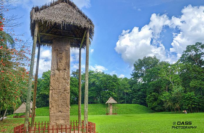 Estela de Quiriguá en Izabal - foto por Diego Tony Silva - DASS