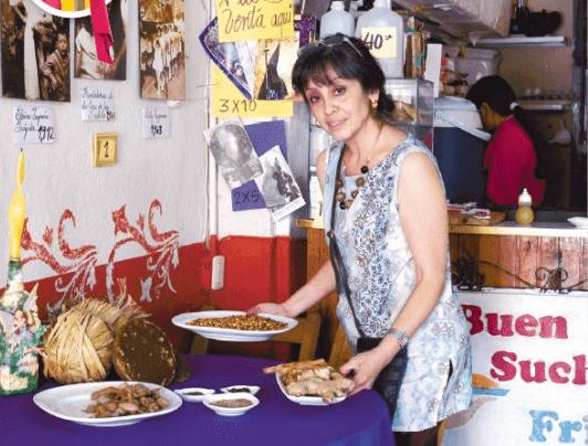 Sobre la mesa se encuentran los ingredientes para hacer el fresco de Suchiles - foto por nuestrodiario.com