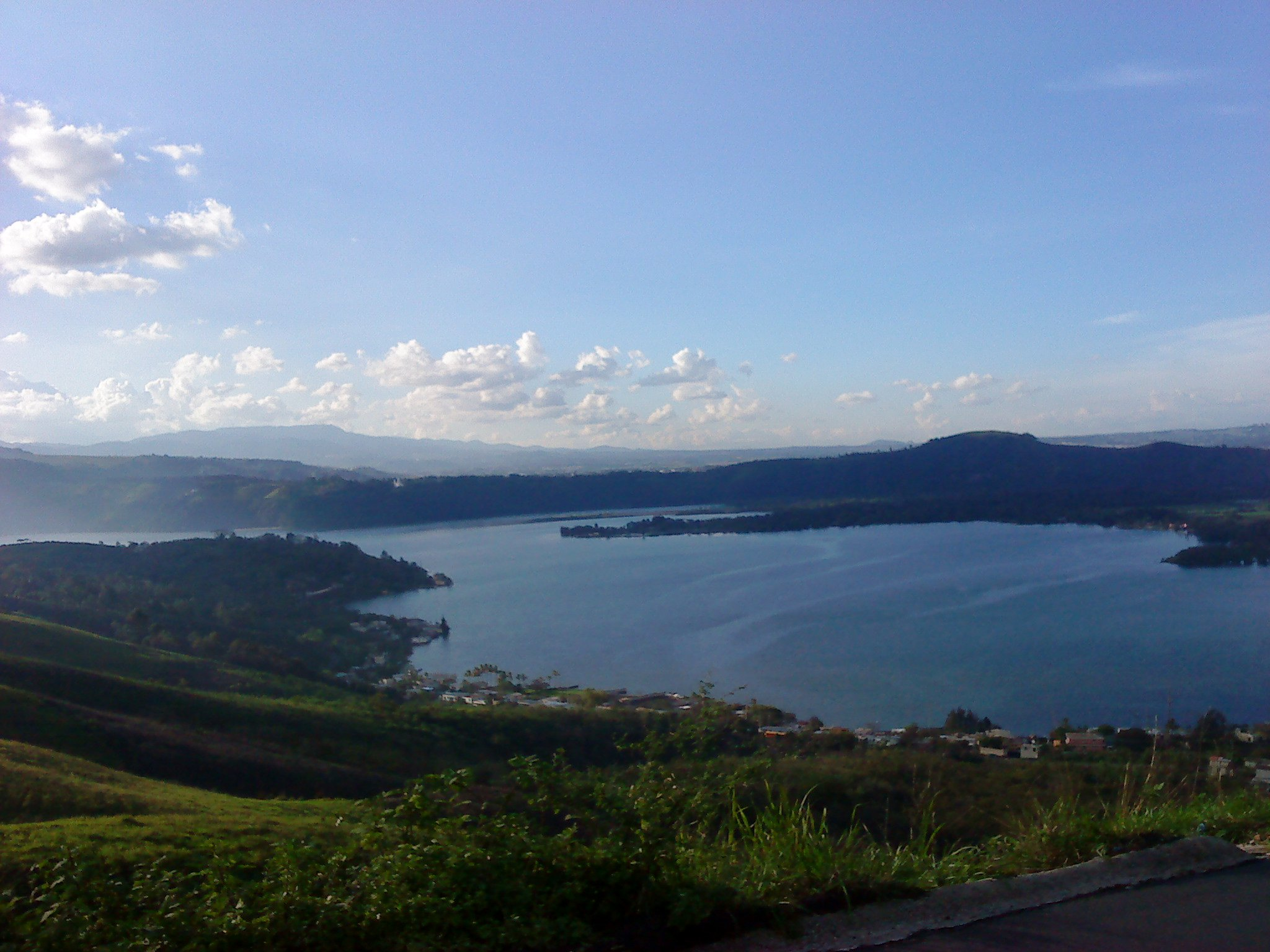 Lago de Amatitlan - foto por Zimeri Giron