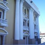 teatro abril columnas 150x150 - El Origen de El Teatro Abril de Guatemala