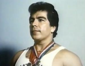 Personaje – José Rolando de León, Levantador de Pesas