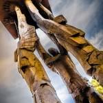 Ciudad de Guatemala, la base de la escultura, Obelisco de las Luces de Max Leiva, Plaza de la Republica - foto por Neels Melendez de True Memories