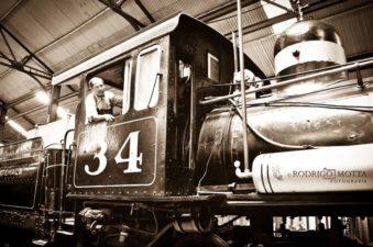 Locomotora en el museo del Ferrocarril en Guatemala foto por Rodrigo Motta 339x225 - Galería – Fotos del Ferrocarril de Antaño en Guatemala