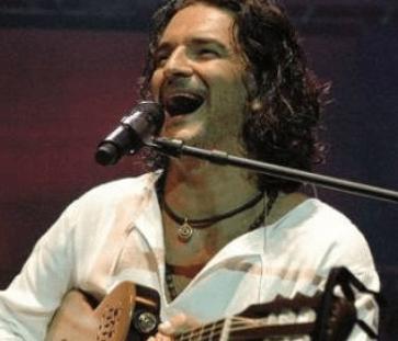VIDEO – Ricardo Arjona con la Canción, Ella y El