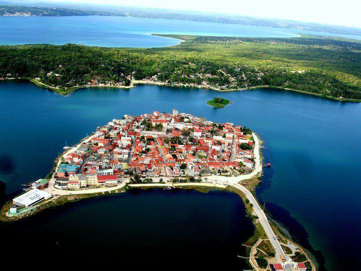 Galería – Fotos de la Isla de Flores, Petén