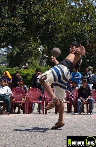 Juego de Pelota Maya - Romero Luis Vermin