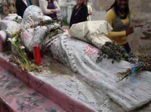 Tumba de Vanushka cementerio de Qutzaltenango foto por 300x223  mundochapin imagen