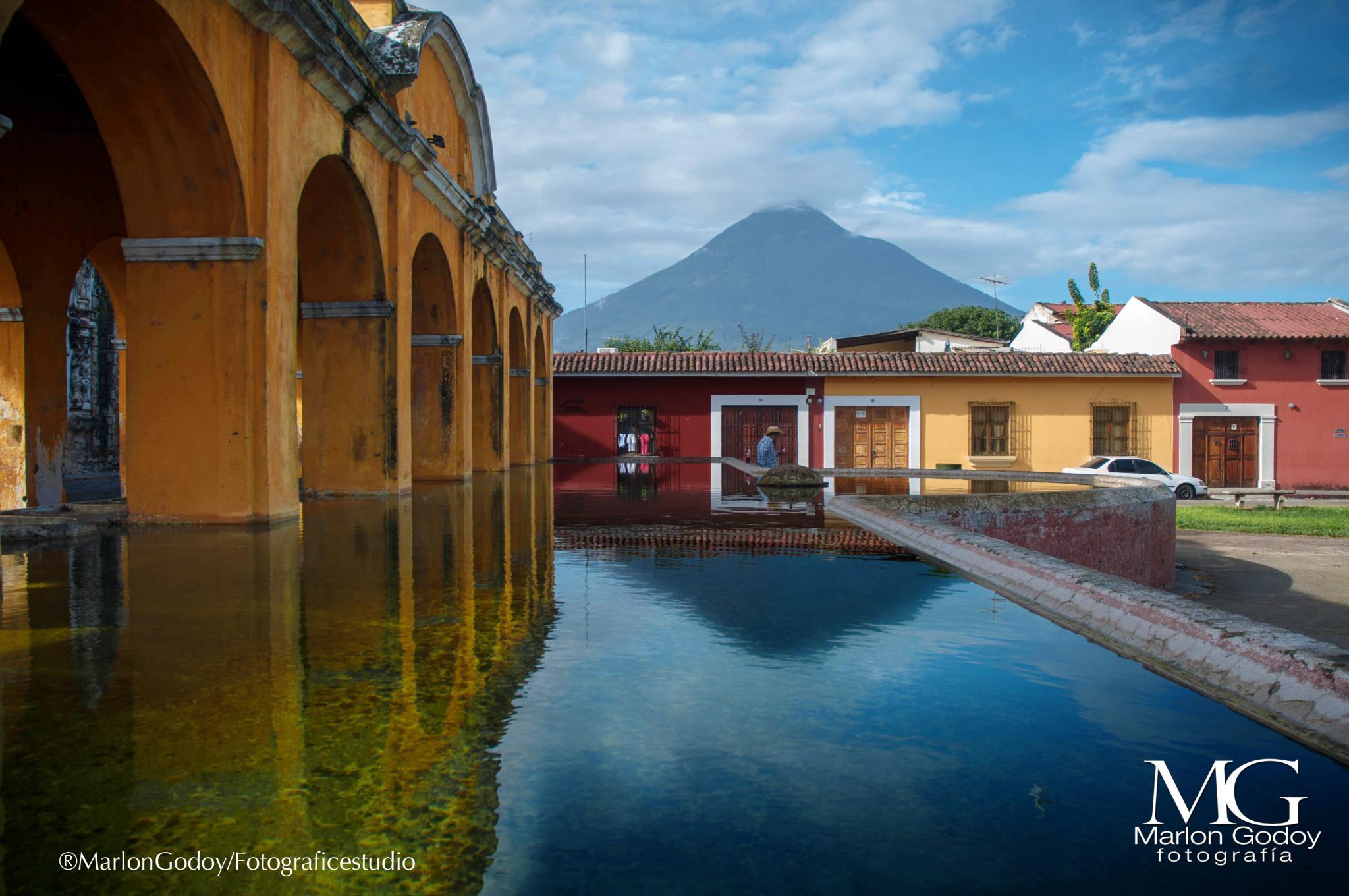 Antigua tanque la Union foto por Marlon Godoy - El Tanque la Unión, La Antigua Guatemala