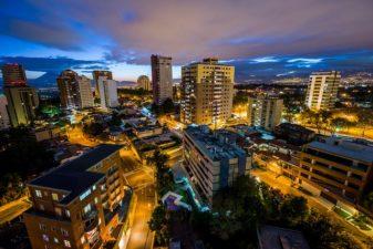 Ciudad de Guatemala zona 14 foto por Ivan Castro SUPER 337x225 - Galería - Fotos de Guatemala por Ivan Castro