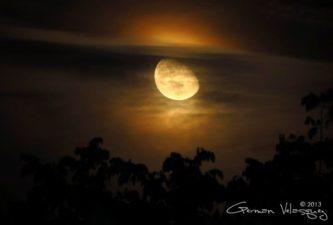 Cuarto menguante la luna desde Salamá foto por German Velasquez 333x225 - Galeria - Fotos de Guatemala por German Velazquez