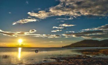 El Remate Lago Peten Itza Jose M Mejia 371x225 - Galeria - Fotos del Lago Petén Itzá