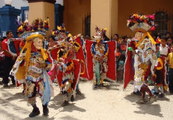 Danza, baile de los Moros - foto por inguat.com