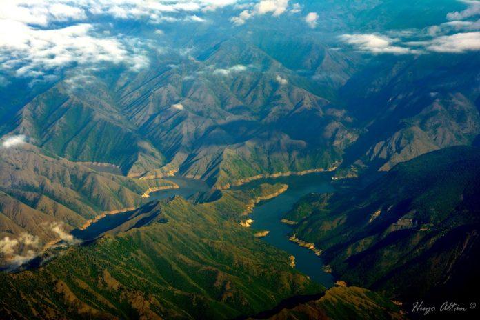 Rio Chixoy o Negro - foto por Hugo Altan
