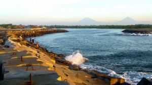 Barra del Puerto San Jose Escuintla foto por Raulin Contreras Martinez 300x169 - Los Puertos de Escuintla