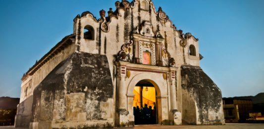 La Ermita d Salcajá, primera iglesia de Centroamerica 1524 – foto por Pablo Méndez Garzona