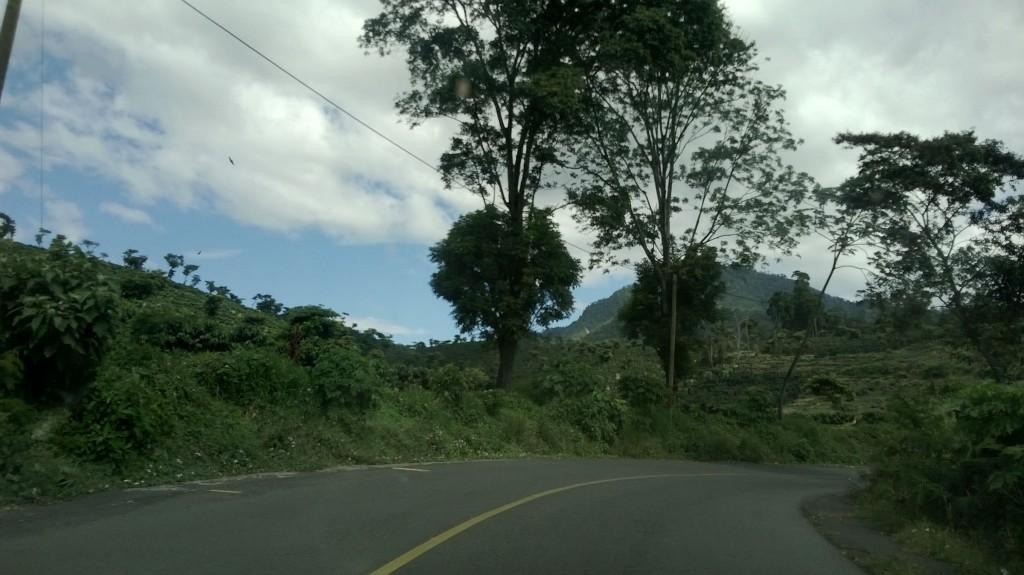 carreterra 1024x575 - Guía Turística - Tradiciones de los Ancestros en Santiago Atitlán