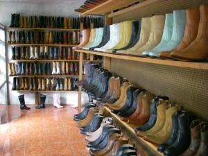 Local de Botas de Pastores 300x225 - Las Botas de Pastores, Sacatepéquez