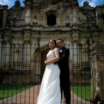 Amor en las Ruinas de Antigua Guatemala Fotografía por L. Payeras 150x150 - Un Recorrido de Amor por Guatemala