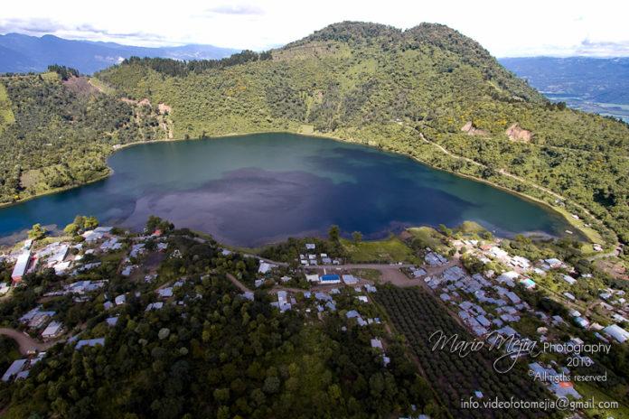 Laguna Calderas en el volcán de Pacaya. Fotografía por: Mario Mejia