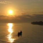 Pescadores al amanecer Playa de Livingston Izabal foto de Gustavo Rodríguez 150x150 - Guía Turística - Livingston, Izabal y el Caribe Guatemalteco