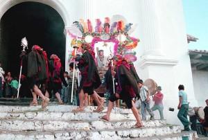 cofradia procesion b 300x202 - El Origen de las Cofradías en la Epoca Colonial