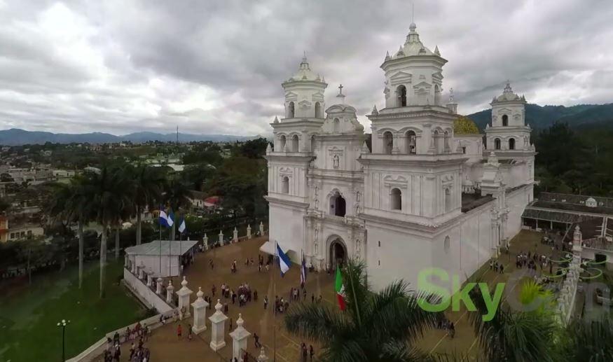 Video Aéreo – La Basílica de Esquipulas por SkyCam Guatemala