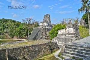 Tikal Templo II foto por Luis Berduo Rivas 300x201 - Guia Turística - Tikal, El Lugar de las Voces