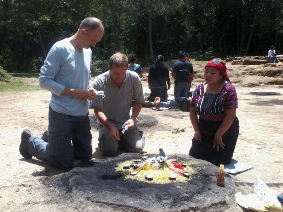 Ceremonias Mayas en Iximché 9 - mundochapin