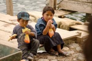 Chapincitos foto por Carlos Villegas 300x198 - Galería - Fotos de Guatemala por Carlos Villegas