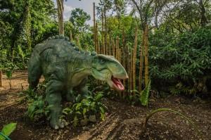 Dino Park Retalhuleu 4 foto por Hector Lopez 300x199 - Galeria - Fotos de Guatemala por Hector Lopez Cruz