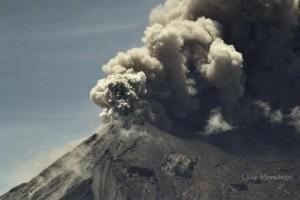 volcan de fuego 09 13 12 luis fernando morataya 300x200 - Galería - Fotos de Erupciones de Volcanes en Guatemala