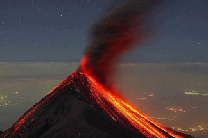 volcan de fuego Ricky Lopez Bruni  300x199 - Galería - Fotos de Erupciones de Volcanes en Guatemala