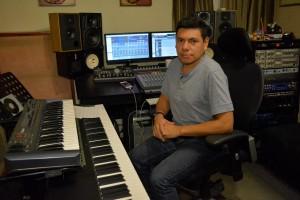 12295816 10205928942435393 1255037060 o 300x200 - Músicos guatemaltecos consiguen Grammy