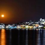 la luna llena empezando a elevarse sobre la isla de flores peten foto por rony rodriguez 150x150 - Galeria de Fotos de Guatemala por Rony Rodriguez