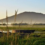 playa el remate al fondo se observa el biotopo cerro cahui el cual se caracteriza por su semejanza con un cocodrilo foto por rony rodriguez petenguatemala01 150x150 - Galeria de Fotos de Guatemala por Rony Rodriguez