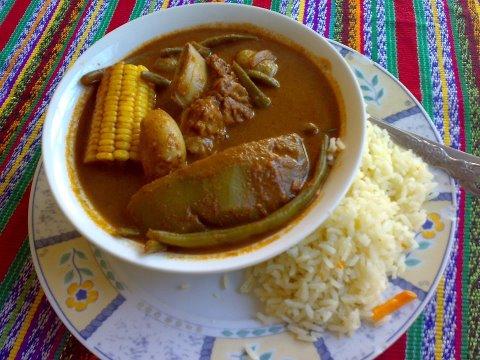 comida Pepian foto por Restaurante Bocabarra Zona 11 - El Patrimonio Cultural Intangible de la Nación
