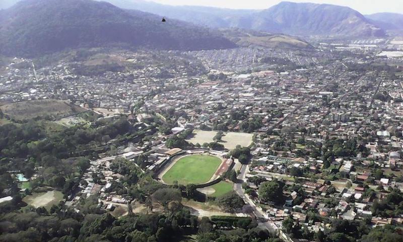 Vista del municipio de Amatitlán desde el mirador del parque Naciones Unidas - foto por Santos Asencio