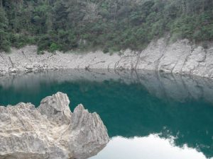laguna de sepalau chisec alta verapaz foto por billy muncc83oz de acuarela chapina 300x225 - Lagunas Sepalau en Alta Verapaz