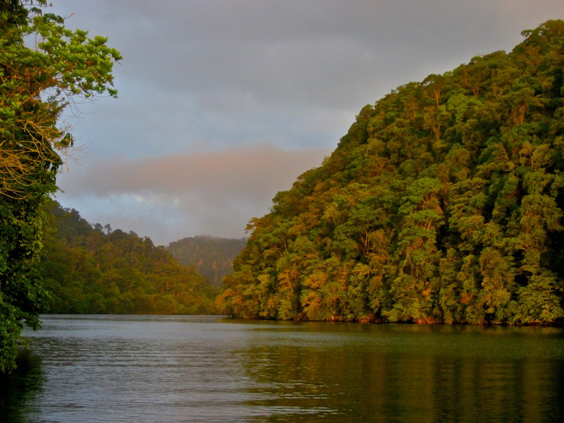 Rio Dulce, Izabal - foto por Carlos R Martinez