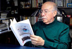 300px marco antonio flores 300x203 - Resumen del libro Los compañeros por Marco Antonio Flores