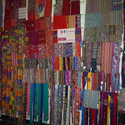 Ejemplares de textiles en Museo Cada del Tejido - foto: tripadvisor