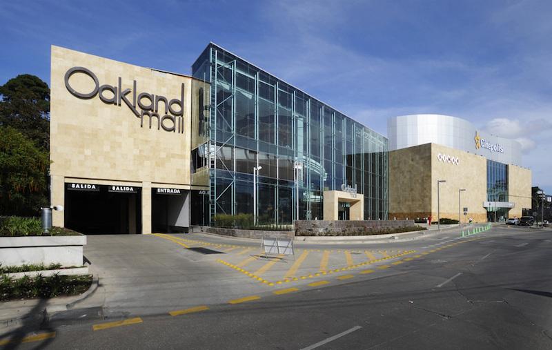 Fachada Centro Comercial Oakland Mall - foto: 6 arquitectos