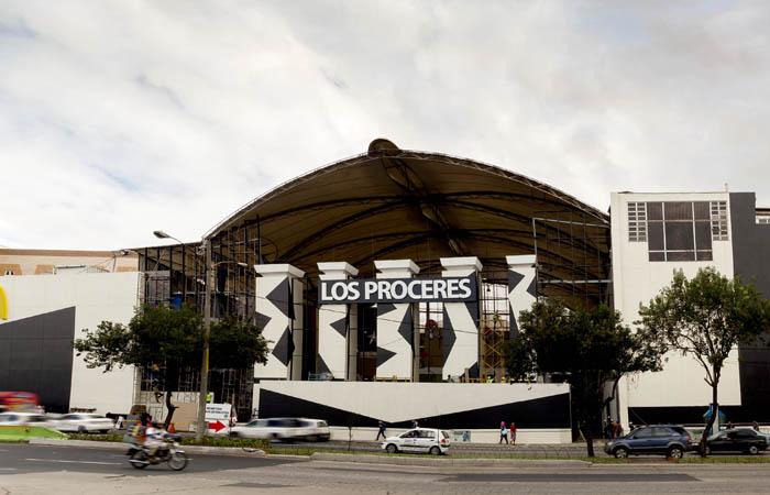 gclp fachada remodelacion 2015 - Principales Centros Comerciales en el Departamento de Guatemala