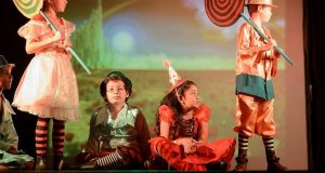 Alumnos de Antigua International School presentan obra teatral