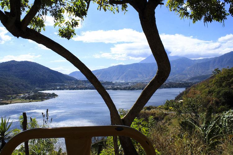 4 vista desde las maquinas - Un recorrido por el Paseo del Lago Amatitlán