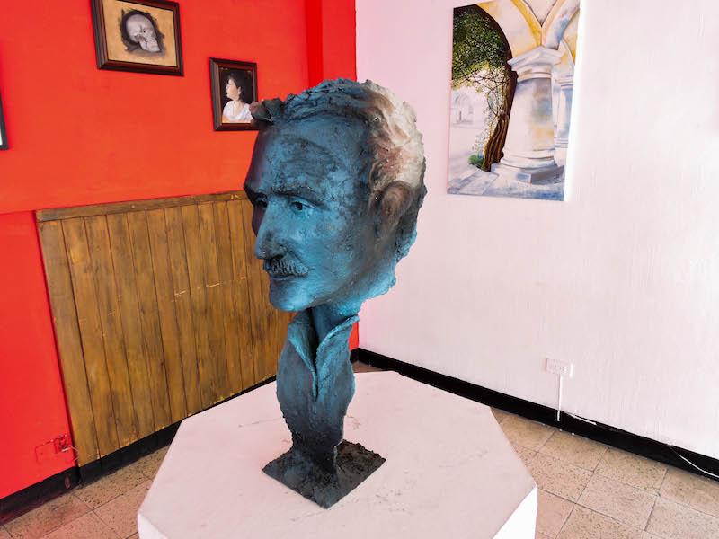 foto 1 - Juan Carlos Serrano La historia de un escultor Guatemalteco
