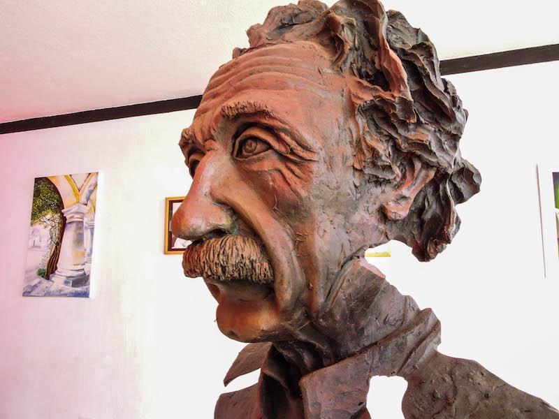 foto 4 - Juan Carlos Serrano La historia de un escultor Guatemalteco